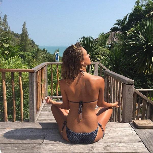Jessica Alba - @jessicaalba